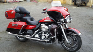 2011 Beautifull 2 tone red Ultra Classic LIMITED
