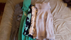 Lot of Women's clothes Small 30+ pieces Cambridge Kitchener Area image 3