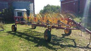 New Holland V Rake With Kicker