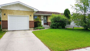 BEAUTIFUL, CLEAN, SPACIOUS, 3-BED, 1 1/2 BATH W/ GARAGE, NE CGY