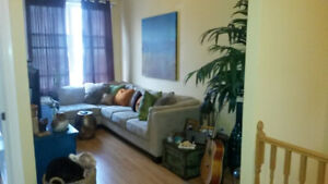 Downtown Bowmanville 2bed+1bath - Avail May.1.2019