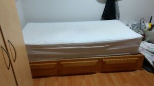 base de lit avec matelas