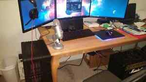 **REDUCED 200$** Triple monitor gaming pc +accessories+YETI MIC West Island Greater Montréal image 5