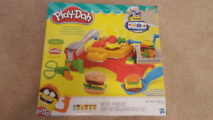 EUC Play-Doh Cookout Creations