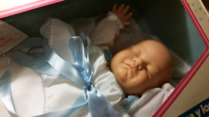 Berjusa 1980's Doll in Box Very Realistic Looking Can Reborn