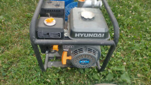 Reduced!! 2.5 inch water pump Hyundai 6.5hp