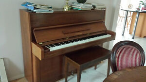 Yamaha P2 upright piano excellent condition