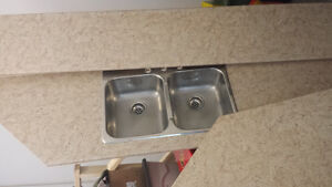 Laminate countertops with sinks