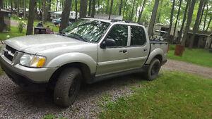 2005 Ford Explorer Sport Trac Xlt Fourgonnette, fourgon