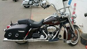 2011 Harley-Davidson FLHRC - Road King Classic