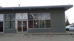 Large main-floor retail/office available in Lynnwood 2800 sqft