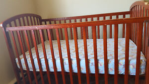 Cribs set with mattress and covers