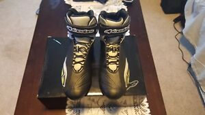 Alpine motorcycle boots