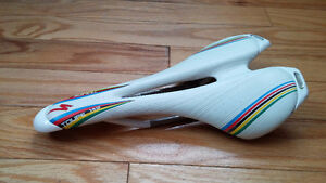 Selle Specialized TOUPE
