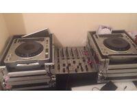 2 pioneer CDjs &mixer