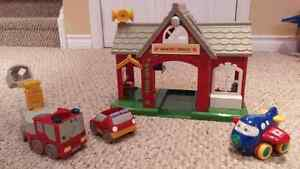 Toys - Fire Station and Vehicles Cambridge Kitchener Area image 1