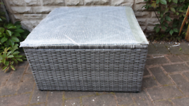 Garden rattan coffee table - grey with glass