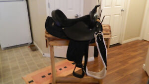 """16"""" BIG HORN SADDLE WITH CUSTOM MADE STAND"""