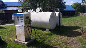 Gas Pump with 2 holding tanks