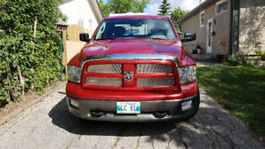 2010 Dodge Ram 1500 Hemi TRX4 Very low KMs.