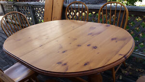 CHRISTMAS size LONG Family Dinner Table w/2 leaves + 6 chairs