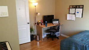 Winter/Spring Semester Room Lease Takeover Steps from WLU! Kitchener / Waterloo Kitchener Area image 2