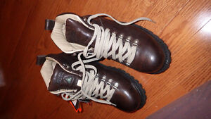 "Dakota 6"" steel toe Hiker size 9- new in box"