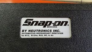 Snap-on EEAC300A A/C  refrigerant identifier
