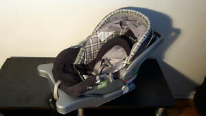 Safety 1st car seat / siège d'auto
