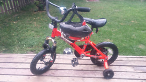 Supercycle youth bike with helmet $25