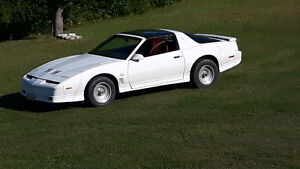 1985 Pontiac Trans Am GTA Coupe (2 door)