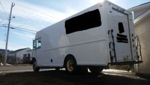 2006 Freightliner chassis delivery truck