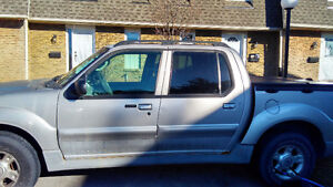 2003 Ford Explorer Sport Trac xlt Pickup Truck-for parts