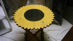 Sun Flower fold up Table - for inside or out Kitchener / Waterloo Kitchener Area image 2