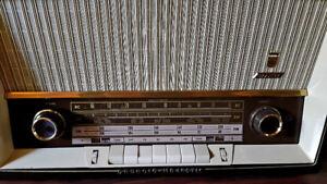 GRUNDIG 2120 RADIO