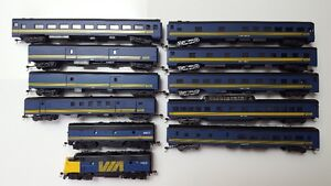 HO Scale  - Model Trains - VIA Rail Super Continental