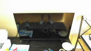 Insignia 40 inch HD tv [with box and perfect condition]