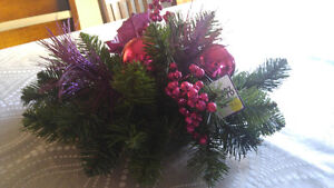 Christmas centerpiece with ornaments Kitchener / Waterloo Kitchener Area image 1