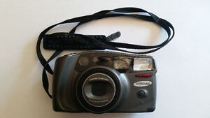 Samsung AF Zoom 105S mit 28-105mm Auto Makro Zoom
