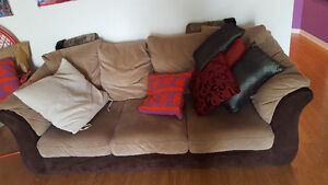 Great couch must go! 99$