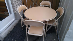 Space Saver Round Table with 4 chairs
