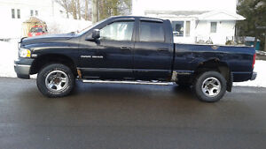 2004 Dodge Power Ram 1500 Pickup Truck