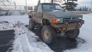 Lifted 1989 Toyota Pickup - Parts or Project