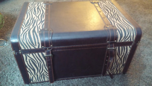 Trunk vintage style can be used as coffee table and metal stool