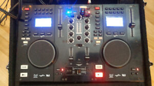 Scratch 2500 Professional CD/USB-MP3 Player with Mixer