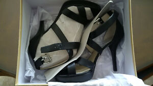 BRAND NEW Michael Kors Evie Platform Shoes Size 10