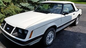 FORD MUSTANG GLX 1983 DÉCAPOTABLE