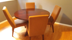 Brown Dining Table and 4 Chairs