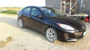 2013 Mazda Mazda3 GS-SKYACTIVE Sedan LOW KM!!!!!!!