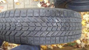 Roues d'acier avec pneus